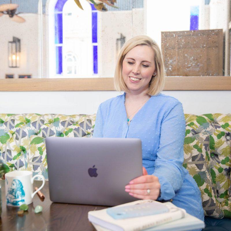 blog on Facebook and instagram for female entrepreneurs